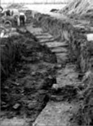 Oostelijke gedeelte van de kademuur welke in 1983/84 werd aangetroffen.
